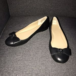 Ann Taylor black leather ballet flats 8